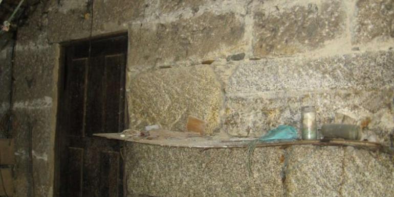 Casa-restauro-Meadela-parede-granito