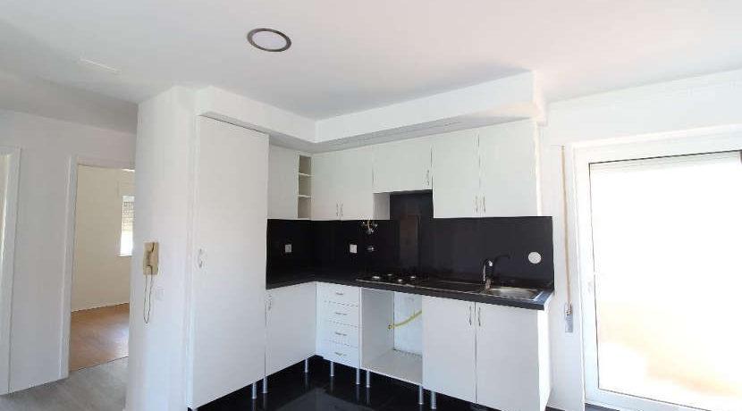 Fapartamento-T2-sala-cozinha