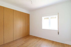 apartamento-T2-quarto1-roupeiro