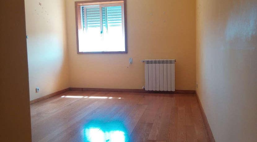 apartamento-T3-Ameal-quarto