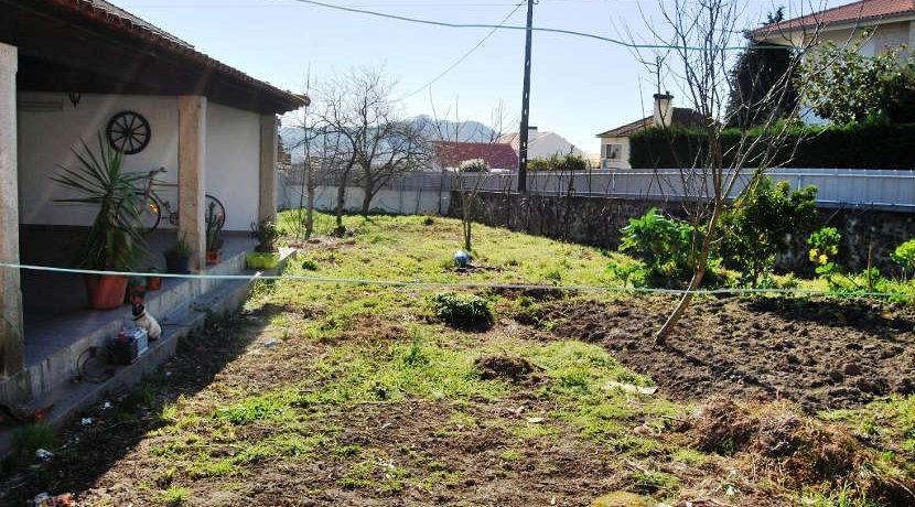 Moradia-Portuzelo-terreno-terreno
