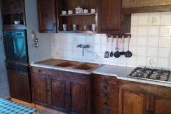 moradia-4 quartos-quintal-cozinha