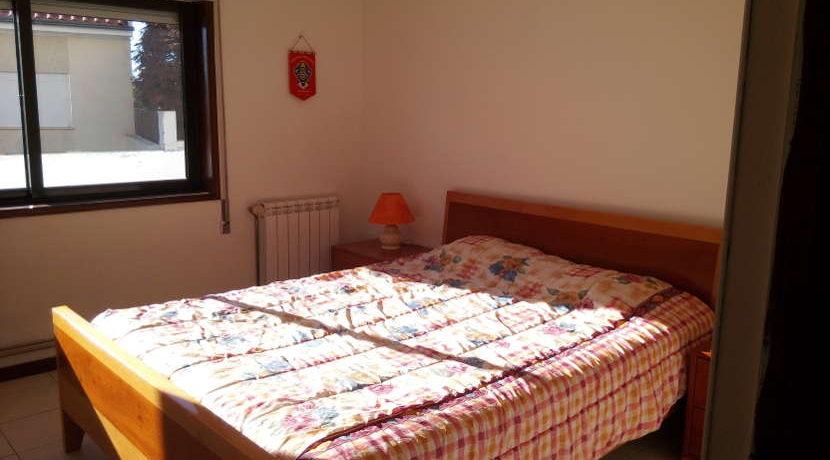 moradia-4 quartos-quintal-quarto