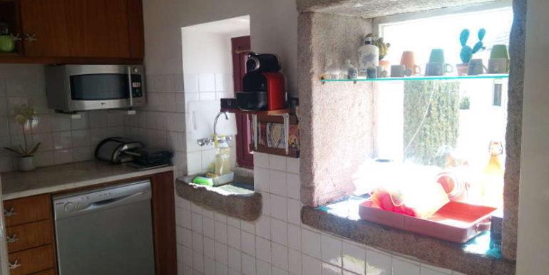 moradia rés do chão cozinha Areosa