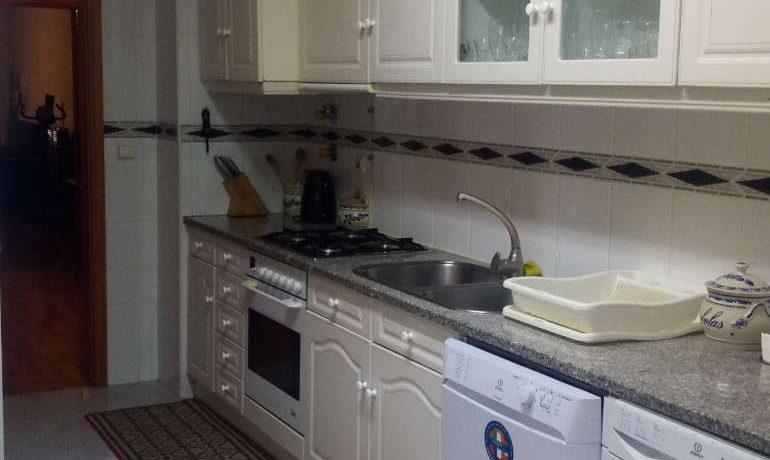 2 apartamento-2-quartos-nmeadela-cozinha
