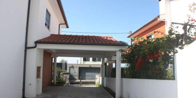 moradia-afife-v4-vista-exterior-viana-do-castelo-garagem
