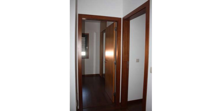 moradia-afife-viana-do-castelo-v4-entrada-quartos