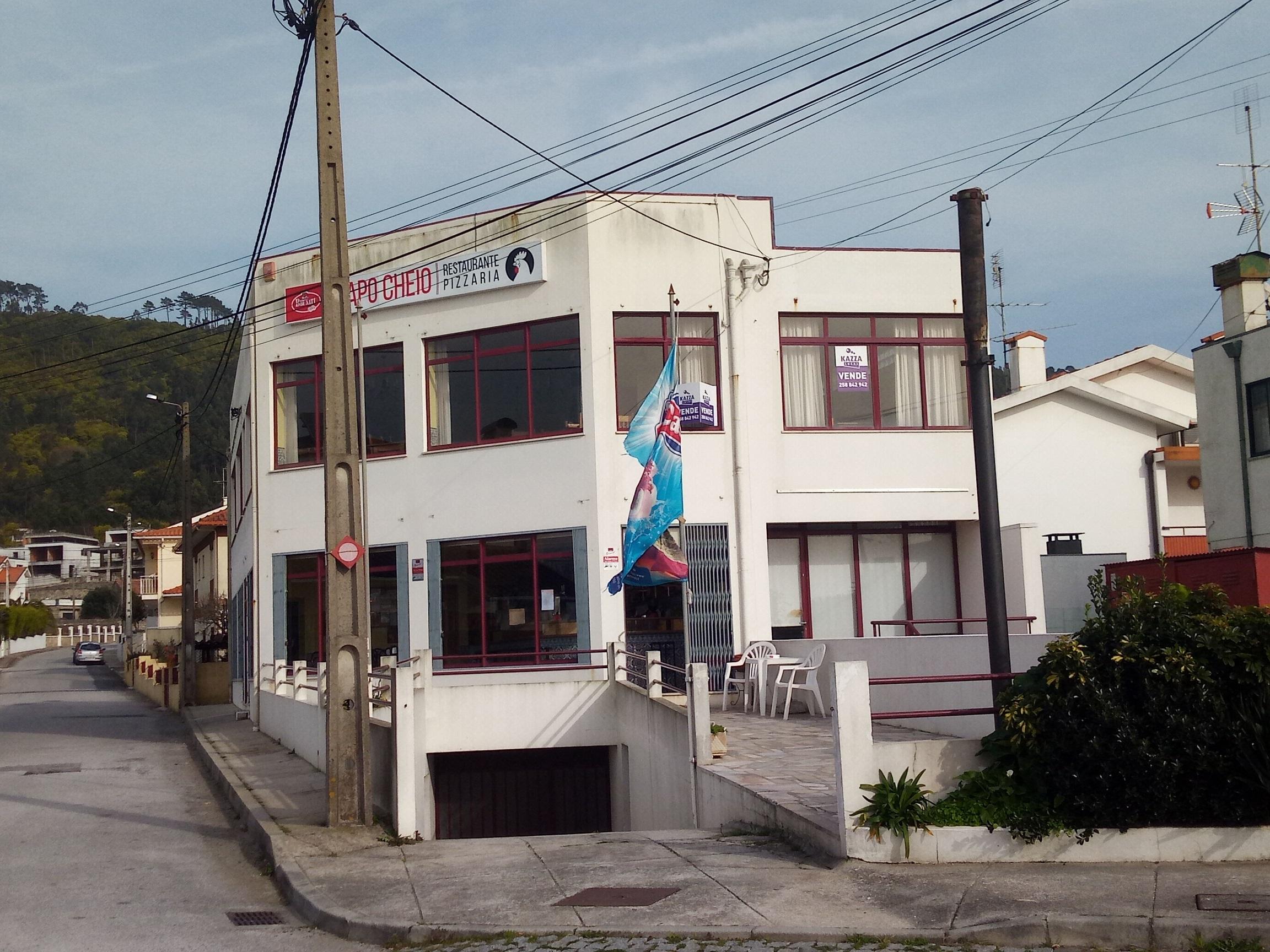 Prédio para Restaurante e Comercio – Areosa
